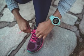 suunto_spartan_trainer_whr_ocean_product_on_wrist_running-01